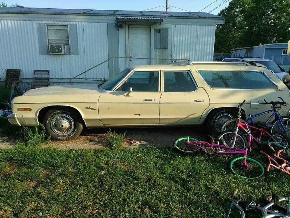 for sale 1974 dodge monaco wagon 3000 for c bodies only classic mopar forum. Black Bedroom Furniture Sets. Home Design Ideas