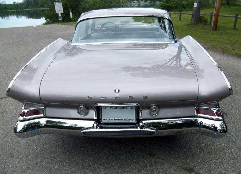 1961_Dodge_Seneca_rear.jpg