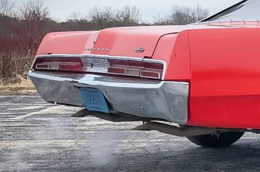 1967.Fury.Dual.Tailpipes.002.jpg