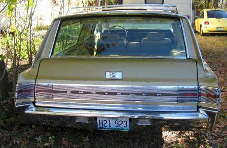1968 Chrysler Town and Country 2.jpg