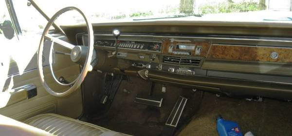 1968 Chrysler Town and Country 4.jpg