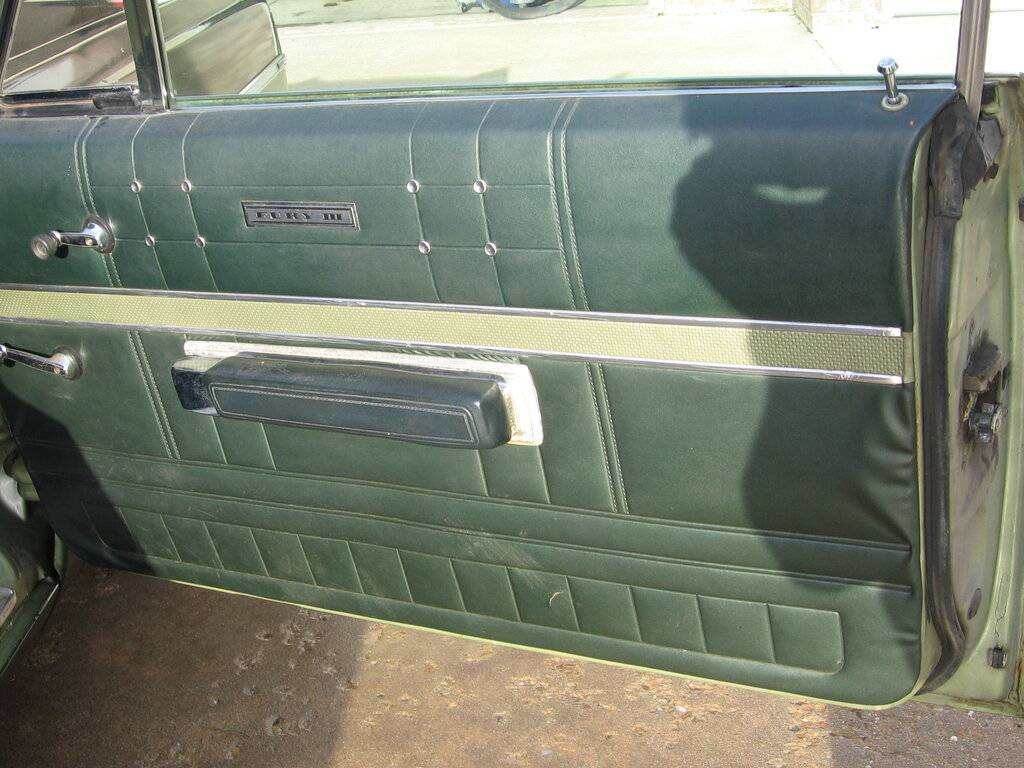 1968.Plymouth.Fury.III.2.Door.Fasttop.019.jpg