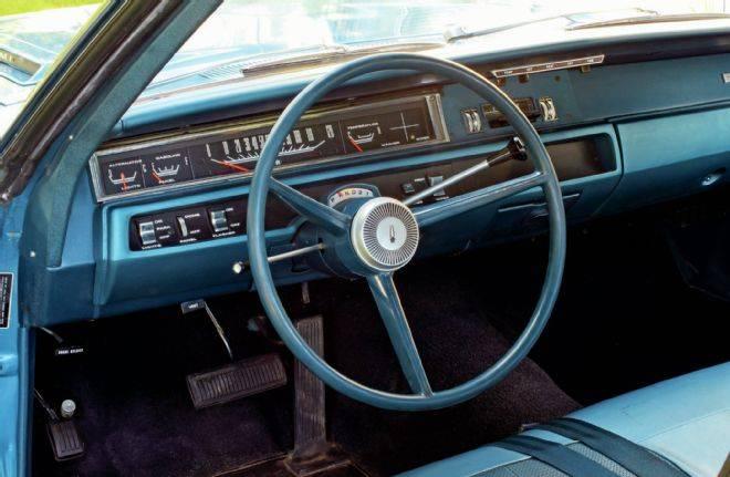 1968-plymouth-road-runner-hemi-interior-1969-dashboard.jpg