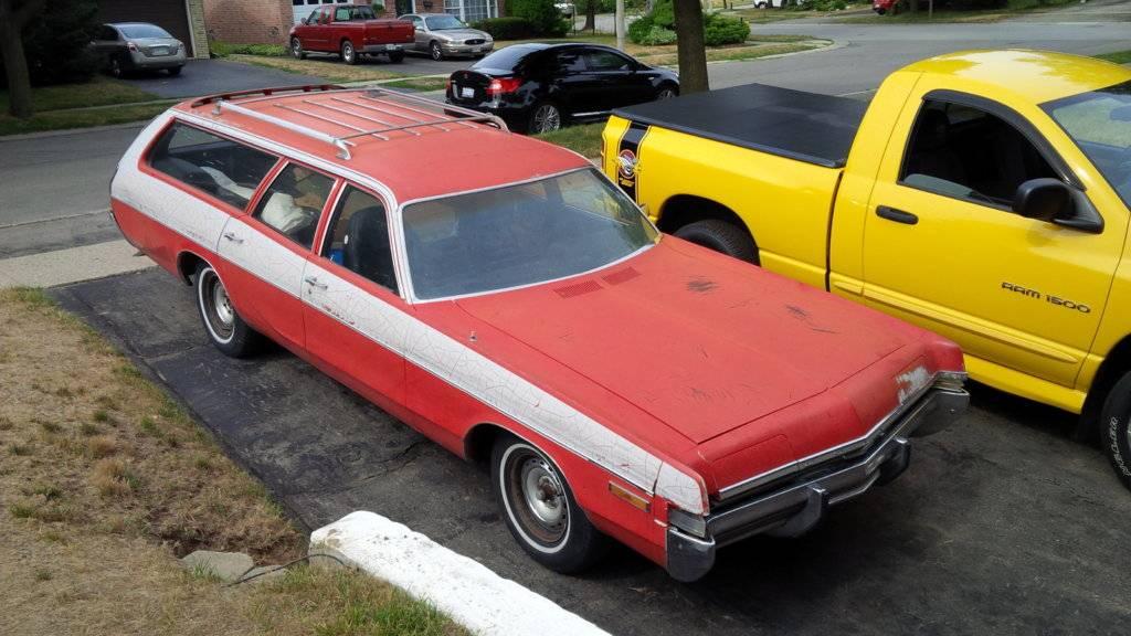 1972 Monaco Wagon 48k.jpg