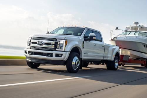 2018_ford_f-350-super-duty_crew-cab-pickup_limited_fq_oem_1_500.jpg