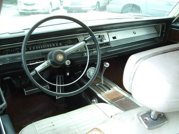 1968 CHRYSLER 300 delivery possible - $3000 | For C Bodies