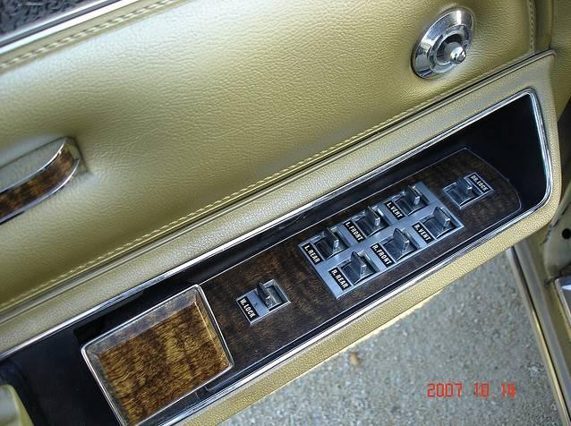 70 Imperial LeBar 4dr gold 3.JPG