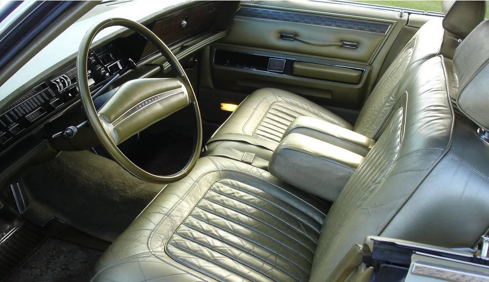 70 Imperial LeBar 4dr gold 9.JPG