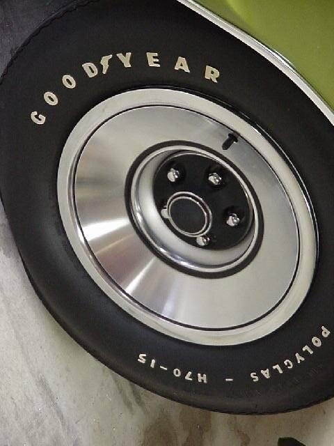 71_sport_fury_GT_wheel.JPG