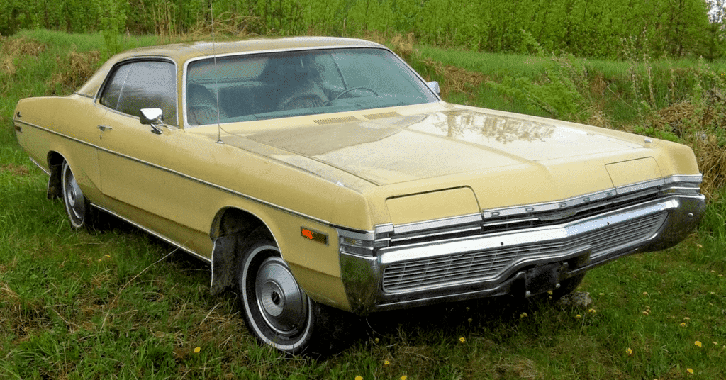 72 dodge monaco all yellow and gold.png