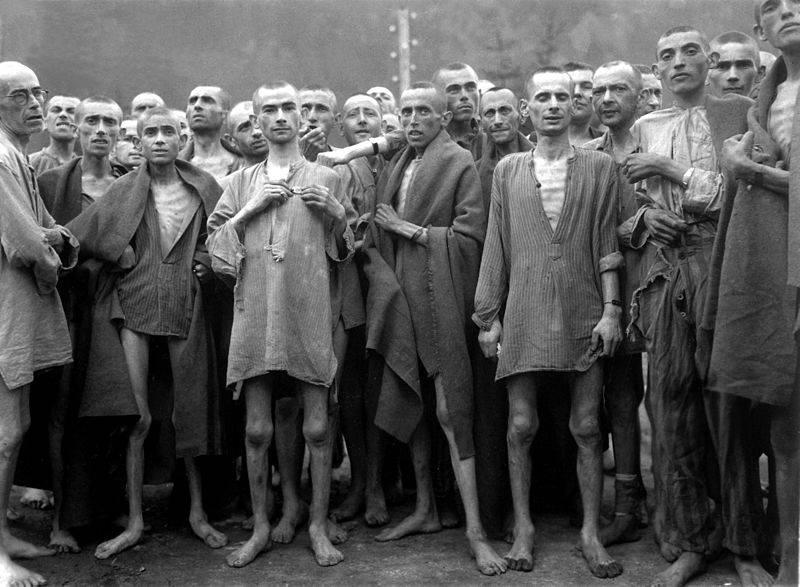 800px-Ebensee_concentration_camp_prisoners_1945.jpg
