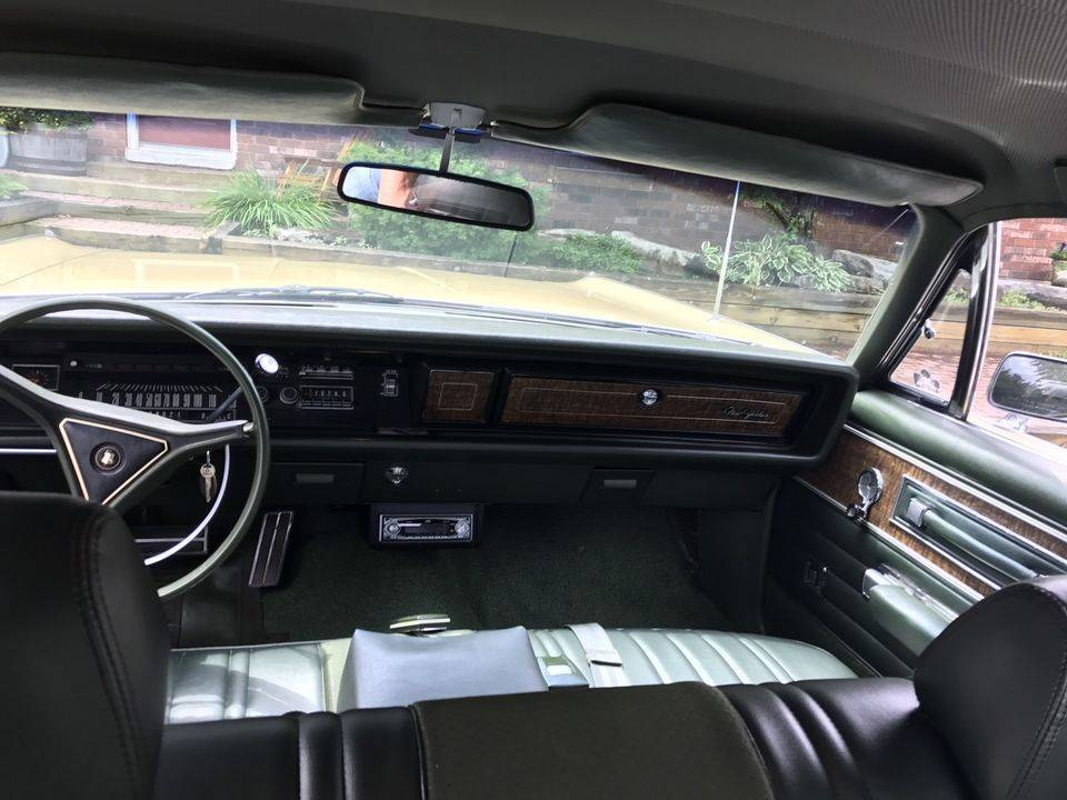 For Sale - Ontario strikes again: \'70 NYer 4 door for $7.9k CD | For ...