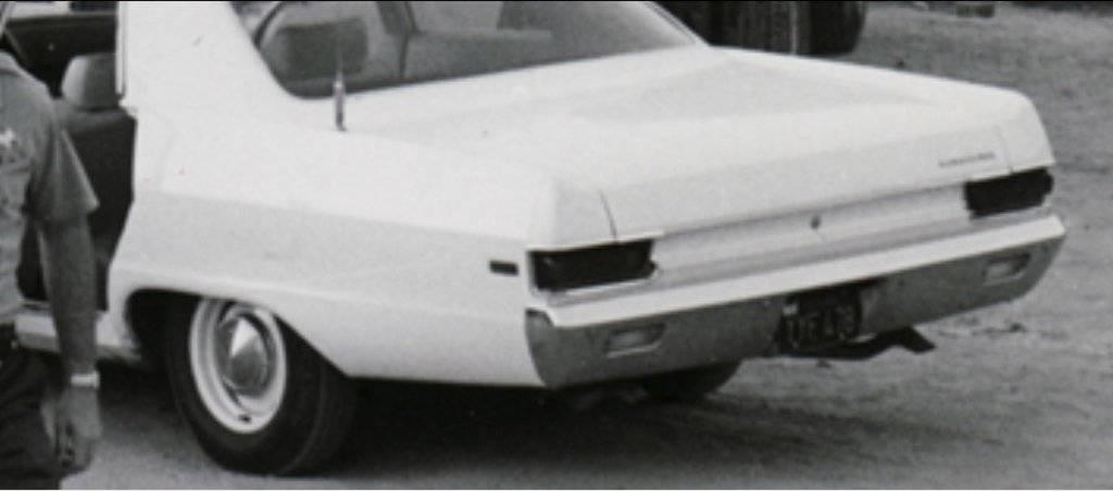 Actual.1969.Plymouth.Fury.Cop.Car.Pic.002.jpg