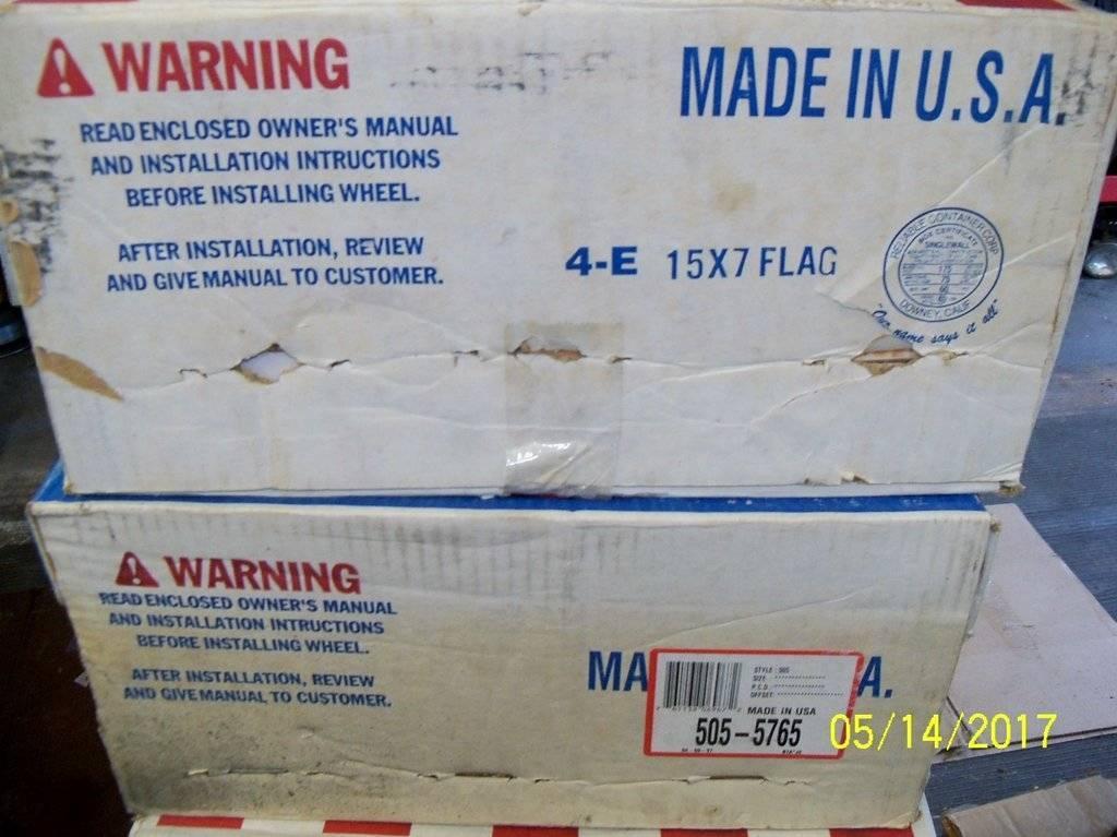 American Racing Flag Boxes.JPG