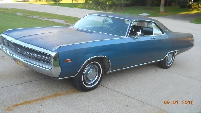 Blue '70 Chrysler 300 Drivers side.jpg