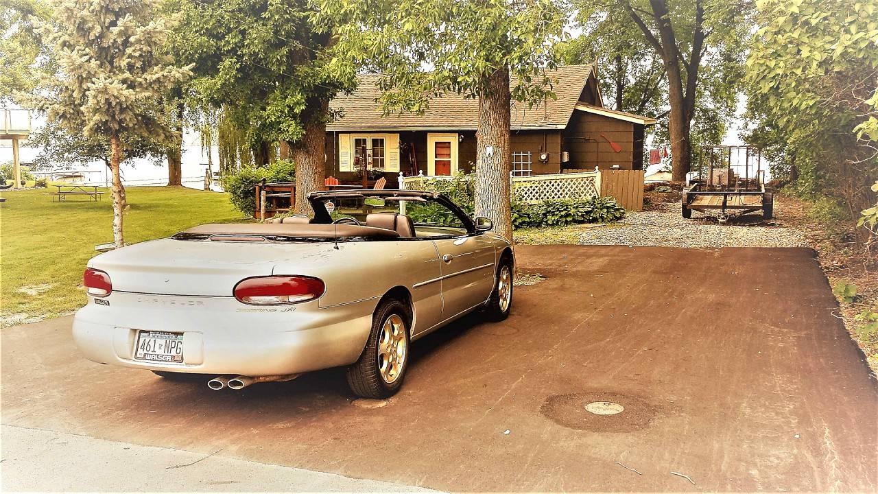 cabin driveway.jpg