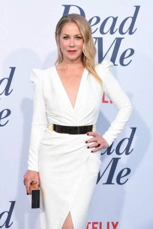 christina-applegate-linda-cardellini-at-dead-to-me-premiere-in-santa-monica-9_thumbnail.jpg