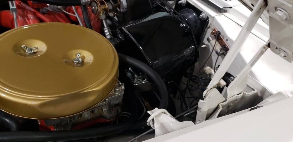 Chrysler 300 F MC far.jpg