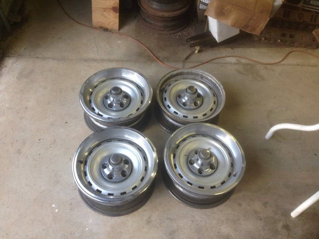 Sold Chrysler Road Wheels For C Bodies Only Classic