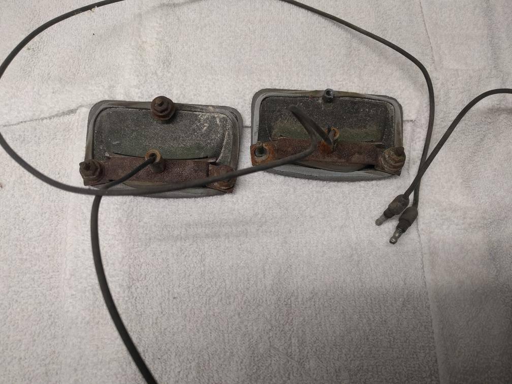 parts.70sf.hoodmarker.bottom.jpg