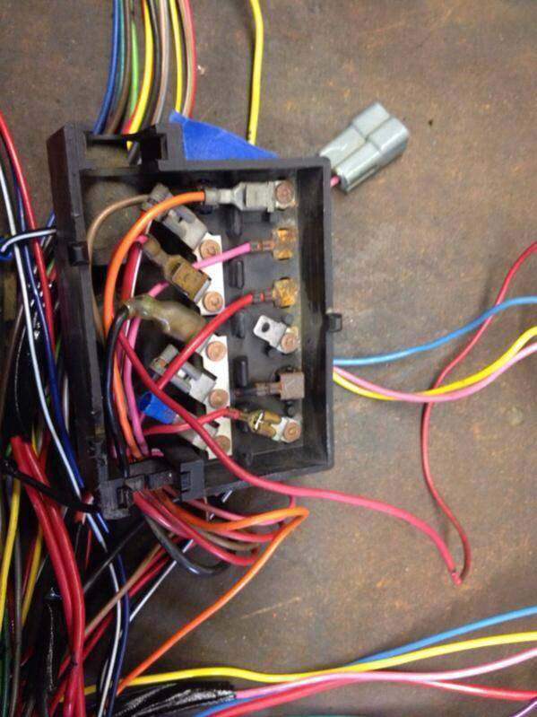 fuse block replacement