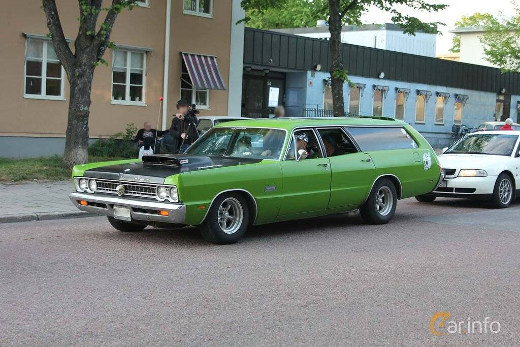 plymouth-fury-3-seat-station-wagon-front-side-1-704409.jpg