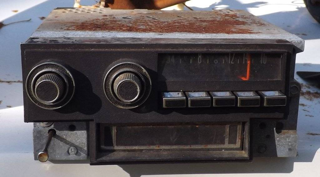 For Sale - 1969 to 73 Radio with 8 track | For C Bodies Only