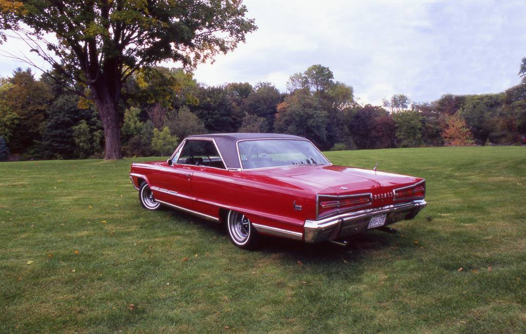 Red Dodge Pics 014.jpg