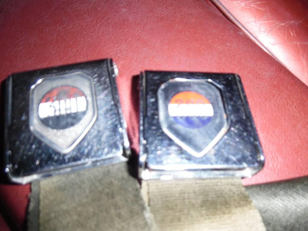 seat belts 007.JPG