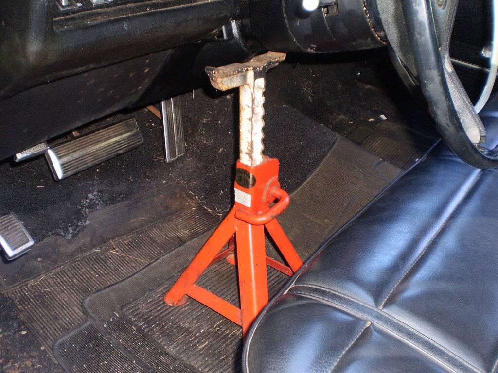 Steering Seal Replacement 020.JPG