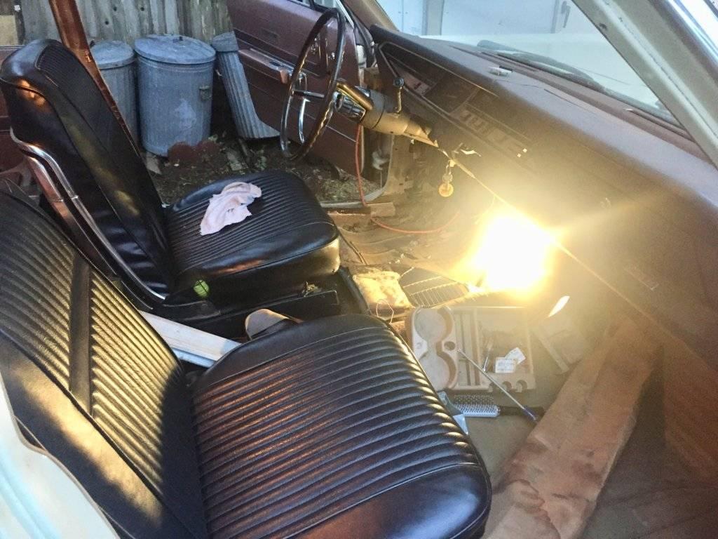 wagon int 1.jpg